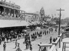 visalia-july-4-1886-showing-first-public-street-light-322x240.jpg